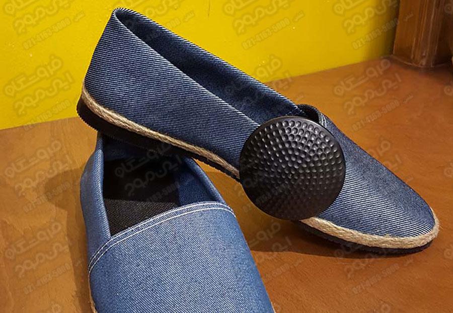 تگ-پوشاک-گلفی-نصب-شده-روی-کفش