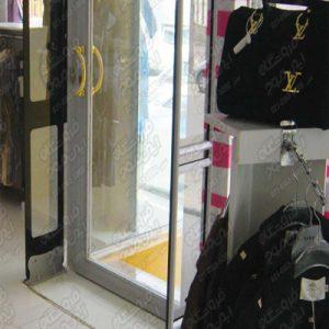گیت-فروشگاهی-ای-ام-جی-استفاده-شده-در-فروشگاه-لباس-و-کیف