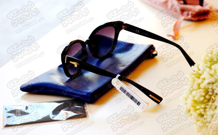 برچسب-ضد-سرقت-AM-نصب-شده-روی-عینک