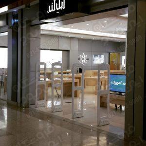 دزدگیر-الکترونیکی-در-فروشگاه-مویایل-اپل-لند