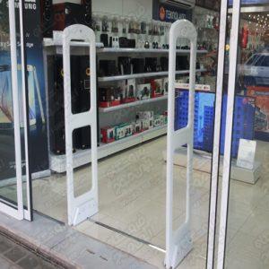 دزدگیر-الکترونیکی-با-گیت-های-فروشگاهی-در-درب-ورودی
